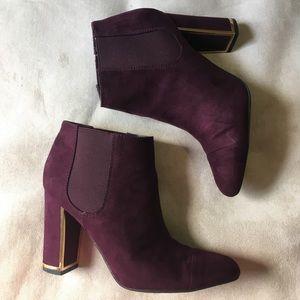 Used burgundy bootie